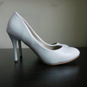 3/$20 White Faux Leather Heels